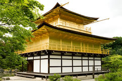 KYOTO - 29 MAGGIO: Il tempio di Kinkakuji sopra può 29, 2008, Kyoto. Il Giappone Immagine Stock