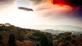 Kyoto wierza z kolorowym od nieba i chmury przy kiyomizu tem Zdjęcie Royalty Free
