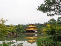 Kyoto Złoty pałac Kinkaku-ji Obrazy Stock