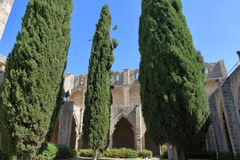 KYRENIA, ZYPERN - OKTOBER, 14 2016: Bellapais Abbey Monastery in Kyrenia Nord-Zypern Stockfoto