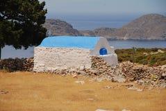 Kyrka av Agios Ioannis, Tilos ö royaltyfri bild
