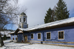 Kyrka av antagandet av jungfruliga Mary i den historiska staden av Koprivshtitsa, Sofia Region Royaltyfria Bilder