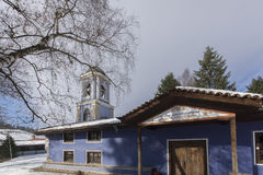 Kyrka av antagandet av jungfruliga Mary i den historiska staden av Koprivshtitsa, Sofia Region Fotografering för Bildbyråer