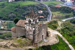 Kyrka av Calatabiano, Sicily arkivbild