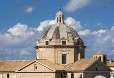 Kyrka av den Gesu kupolen med härlig himmel royaltyfri bild