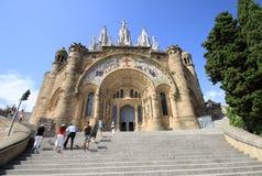 Kyrka av den sakrala hjärtan av Jesus (templet Expiatori del Sagrat Cor) på Tibidabo i Barcelona arkivfoton