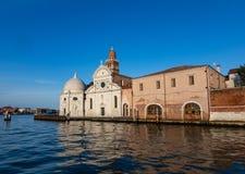 Kyrka av den San Michele kyrkogården i Venedig, Italien royaltyfri bild