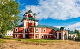 Kyrka av den Smolensk symbolen av modern av guden av det 18th århundradet i Uglich, Ryssland arkivbilder