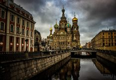 Kyrka av frälsaren på blod i St Petersburg fotografering för bildbyråer
