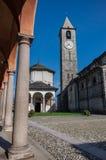 Kyrka av Gervasio och Protasio på Baveno, på sjömaggiore, paj royaltyfri bild