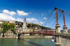 Kyrka av helgonet Georges och spången, Lyon, Frankrike Royaltyfri Bild