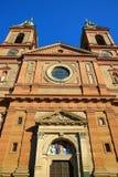 Kyrka av helgonet Wenceslaus (SmÃchov), historiska byggnader, Prague, Tjeckien Arkivbild