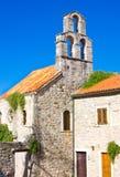 Kyrka av heliga jungfruliga Mary i mitt av den gamla staden Budva Arkivbild