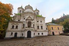Kyrka av interventionen på Podil Kiev Ukraina royaltyfri fotografi