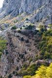 Kyrka av Kristus uppståndelse över bosättningen av Foros Arkivfoto