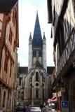 Kyrka av Notre-Dame från Rue de la Chouette, Dijon, Frankrike royaltyfri fotografi