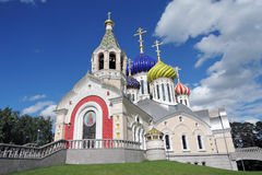 Kyrka av omgestaltningen i Peredelkino, Ryssland Färgfoto Arkivbild