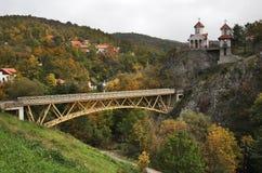 Kyrka av omgestaltningen i Prolom Banja serbia arkivfoton