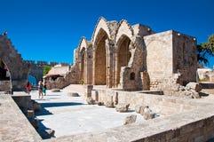 Kyrka av oskulden av burghen. Grekland Rhodes. Arkivfoton