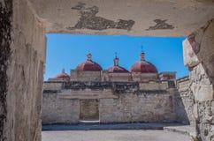Kyrka av Saint Paul i Mitla, Oaxaca, Mexico royaltyfri bild