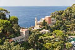 Kyrka av San Giorgio i Portofino arkivfoton