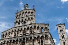 Kyrka av San Michele in foro, Lucca, Tuscany, Italien arkivbilder