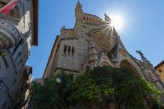 Kyrka av Sant Bartomeuin den centrala Solleren, Majorca, Spanien royaltyfri fotografi
