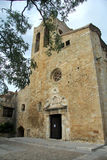 Kyrka av Sant Pere de Pals, Girona, Spanien Royaltyfri Fotografi
