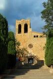 Kyrka av Sant Pere de Pals, Girona, Spanien Arkivbild