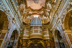 Kyrka av Santa Maria della Vittoria i Rome, Italien royaltyfri bild