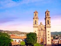 Kyrka av Santa Prisca i Taxco, Mexico Fotografering för Bildbyråer