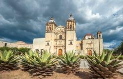 Kyrka av Santo Domingo de Guzman i Oaxaca, Mexico Arkivfoto