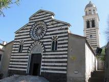 Kyrka av St Andrew i Levanto, landskap av La Spezia, Liguria, Italien royaltyfri foto