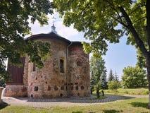 Kyrka av St Boris och Gleb eller Kalozhskaya i sommar royaltyfri foto