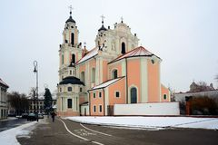 Kyrka av St Catherine på vintertid Arkivbild