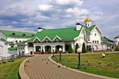 Kyrka av St Cyril av Turov i Minsk, Vitryssland royaltyfri fotografi