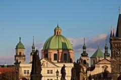Kyrka av St Francis av Asisi i Prague gamla stad Royaltyfri Bild