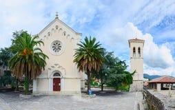 Kyrka av St Ieronim och klockatornet, Herceg Novi Royaltyfri Foto