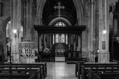 Kyrka av St John Baptist Nave A Arkivfoton
