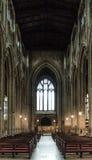Kyrka av St John den Baptist Nave sikten från altare B Royaltyfria Bilder