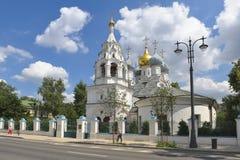 Kyrka av St Nicholas av Myra i Pyzhi Arkivbild