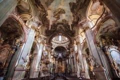 Kyrka av St Nicholas, Prague Royaltyfria Bilder
