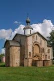 Kyrka av St Parasceva Fredagen på marknadsplatsen, ingen Veliky Arkivfoto