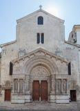 Kyrka av St Trophime Arles Provence Frankrike Royaltyfri Bild