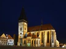 Kyrka av Sv Aegidius på stadshusfyrkant i Bardejov slovakia arkivbilder