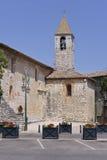 Kyrka av Tourrettes-sur-Loup i Frankrike Arkivfoton