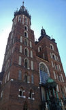 Kyrka av vår dam Assumed in i himmel (eller Sts Mary basilika) i Krakow, Polen royaltyfria bilder