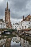 Kyrka av vår dam, Bruges Arkivbild