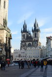 Kyrka av vår dam för Tyn på Prague, gammal stadfyrkant Arkivbilder