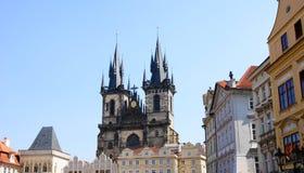 Kyrka av vår Lady för Tyn i Prague Arkivfoto